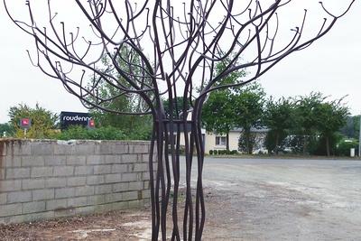 Arbre du souvenirpour cimetière : sablage, métallisation et thermolaquage
