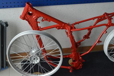 Rénovation jantes et cadre de vélo