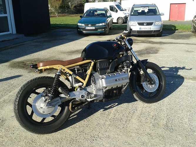 Moto: cadre or et jantes noires 0
