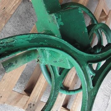 Rénovation d''une pompe à bras pompeabrasavant