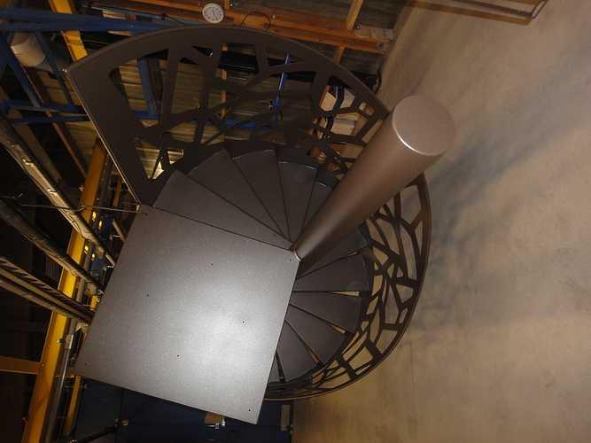 Sablage et thermoloquage escalier hélicoïdal dsc09719