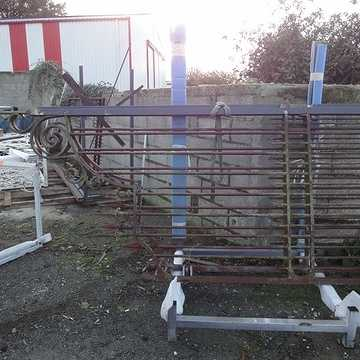 Sabler un portail ancien pour le rénover portailalarrivee