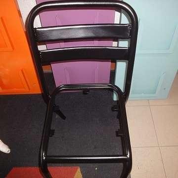 Sablage et thermolaquage chaises métal chaiserenovee9005m1