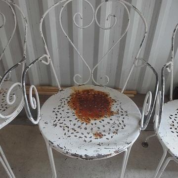 Sablage, métallisation et thermolaquage de chaises de jardin en métal achaise
