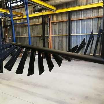 Sablage, métallisation et thermolaquage d'un escalier et d''un garde-corps en acier noir img20180227173021