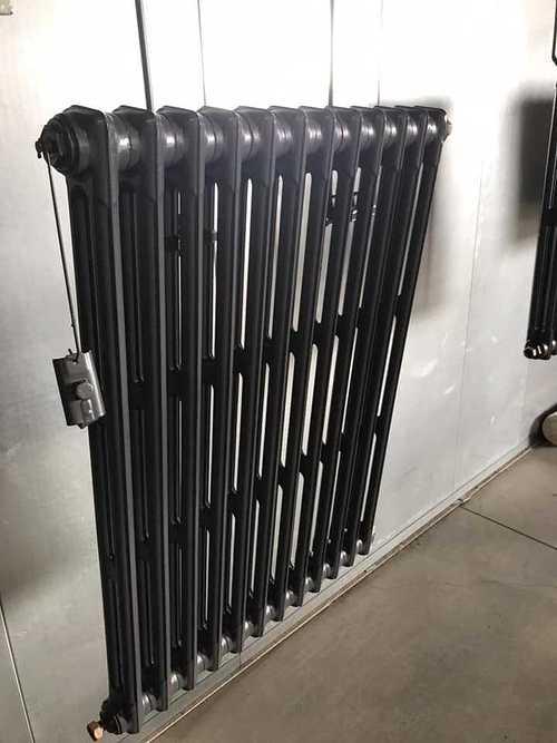 Sablage et thermolaquage d''un radiateur en fonte b