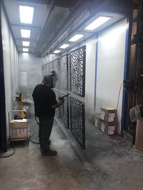 Primaire anti-corrosion sur garde-corps découpe laser -Ille-et-Vilaine (35) 0