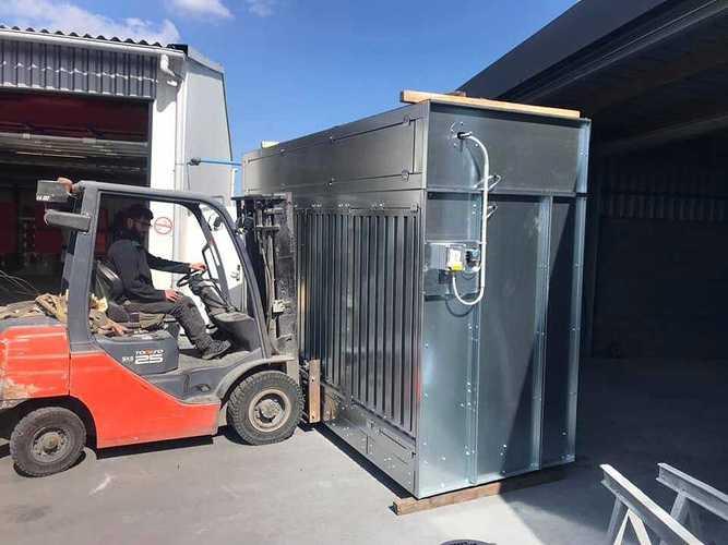 Nouvelle cabine de métallisation chez CMTP cm2