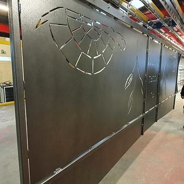 Sablage, métallisation, application d''un primaire, et thermolaquage d''un portail en acier 20191031162924