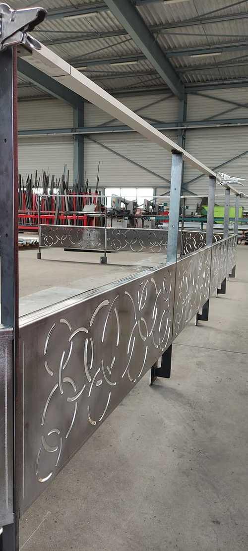 Thermolaquage de garde-corps de la gamme Kaizen Steel th2